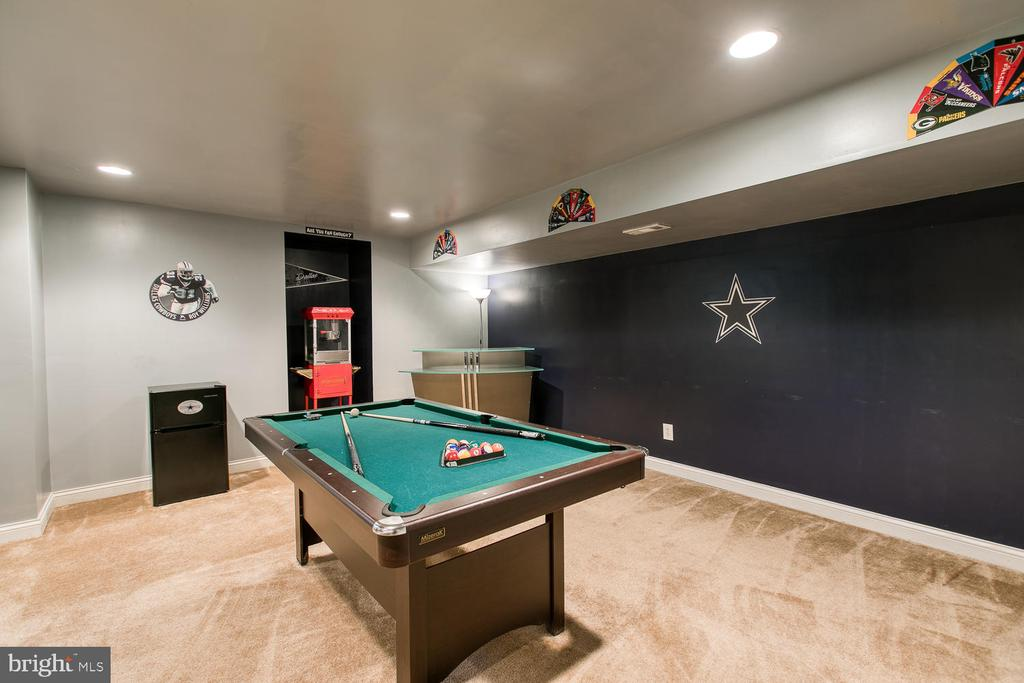 Room for billiards and a bar - 3412 WOOLFENDEN CT, TRIANGLE