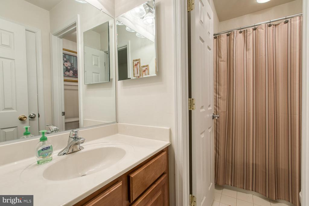 Full bath in basement - 3412 WOOLFENDEN CT, TRIANGLE