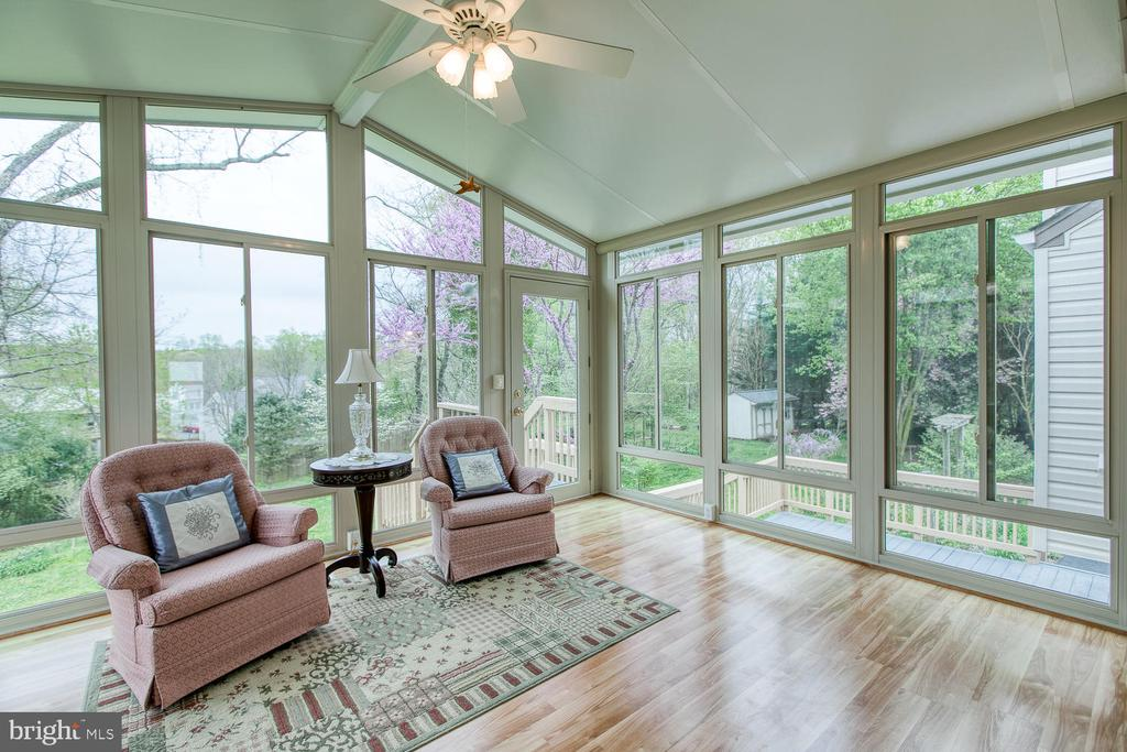 Gorgeous Sunroom - 15 CAMEO LN, FREDERICKSBURG