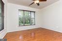 Gleeming hardwood floors - 18911 MIATA LN, TRIANGLE