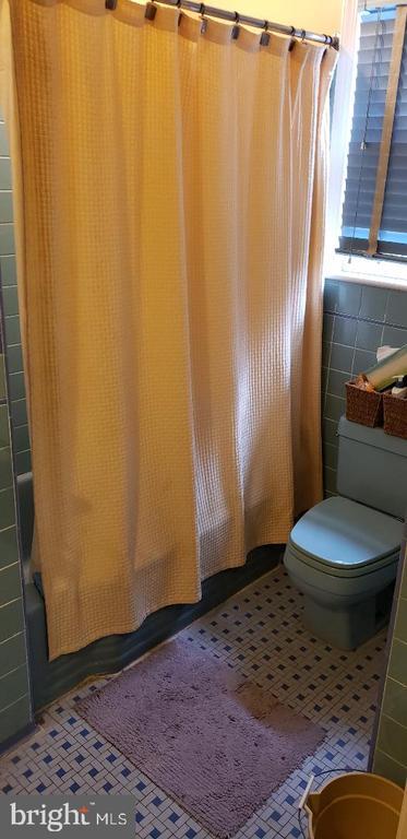 Full Bath 2nd Level - 1355 TEWKESBURY PL NW, WASHINGTON