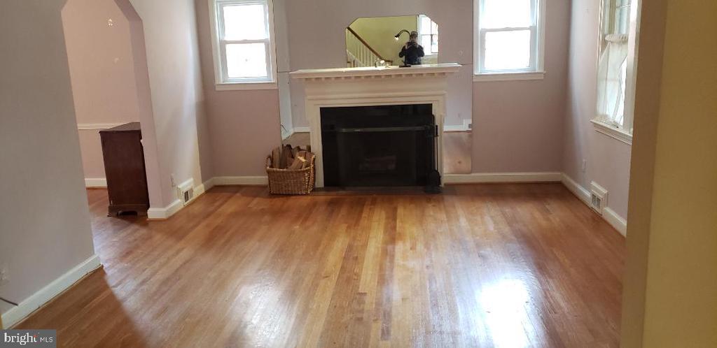 Living Room - 1355 TEWKESBURY PL NW, WASHINGTON