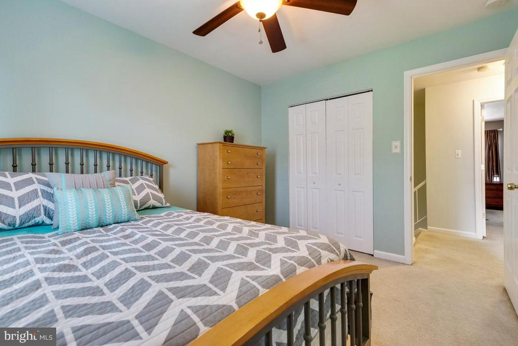 Ceiling fan in 2nd bedroom is great! - 13677 BARREN SPRINGS CT, CENTREVILLE