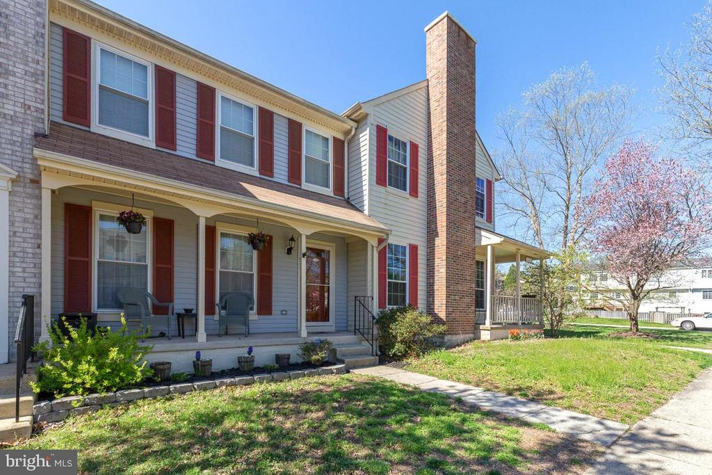 Such a wonderful place to call home! - 13677 BARREN SPRINGS CT, CENTREVILLE