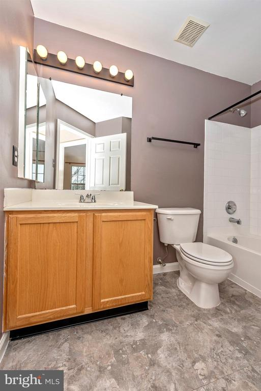 Master Bathroom - 1656 WHEYFIELD DR, FREDERICK