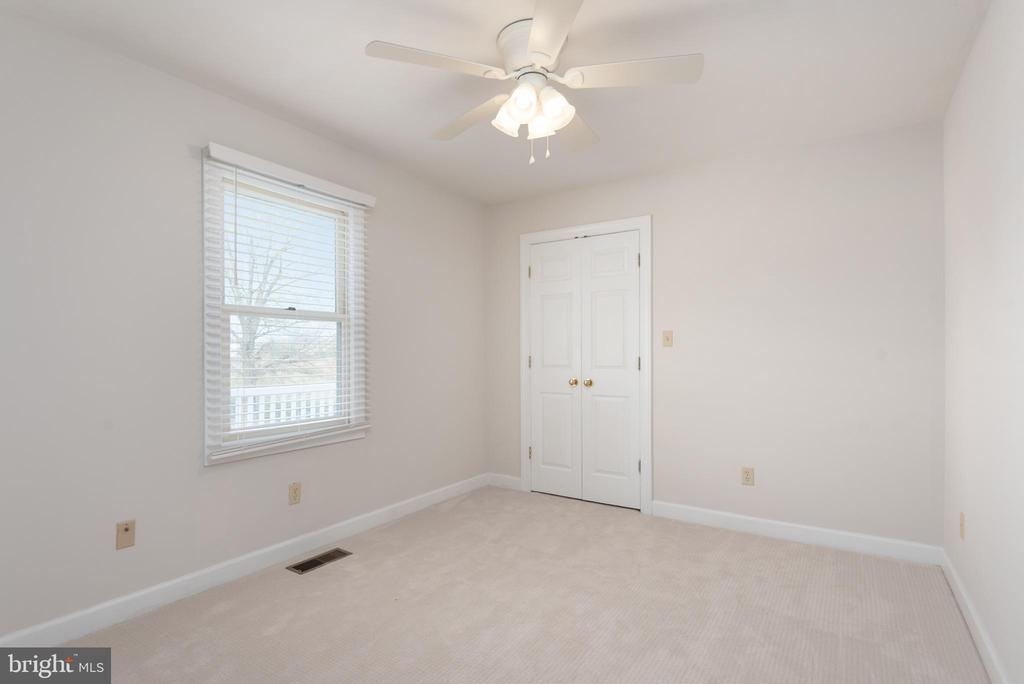 In-law suite bedroom - 118 RINGGOLD RD, FREDERICKSBURG