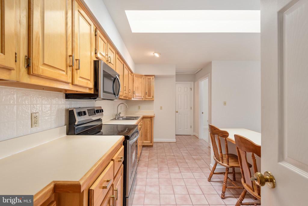 In-law suite kitchen - 118 RINGGOLD RD, FREDERICKSBURG