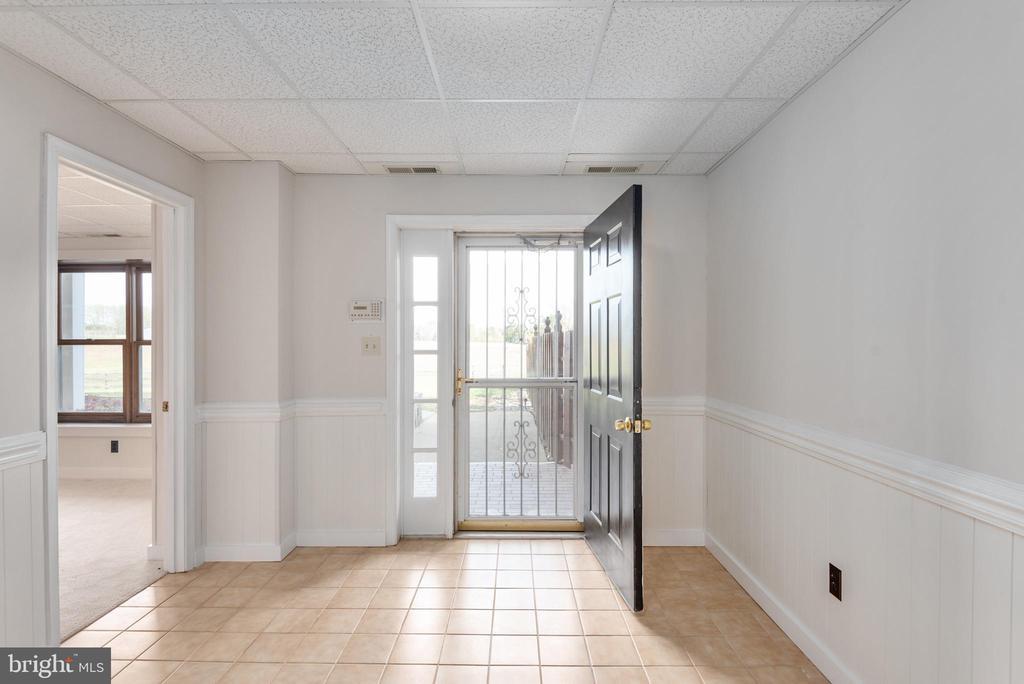 Basement exterior entrance - 118 RINGGOLD RD, FREDERICKSBURG