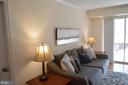 Sunny living room off patio with urban views - 2181 JAMIESON AVE #607, ALEXANDRIA