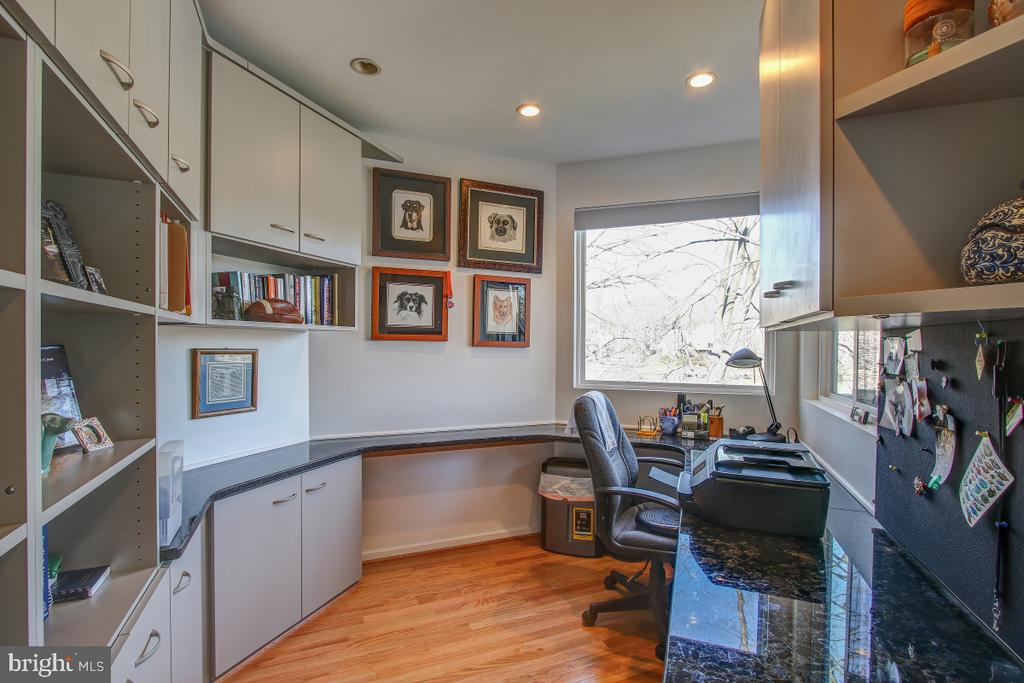 Your private office off the Master Bedroom - 2258 COMPASS POINT LN, RESTON
