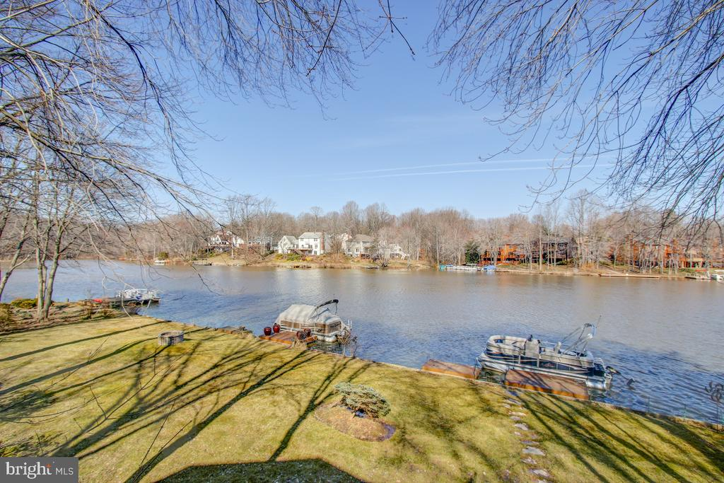 A Waterfront Oasis! - 2258 COMPASS POINT LN, RESTON