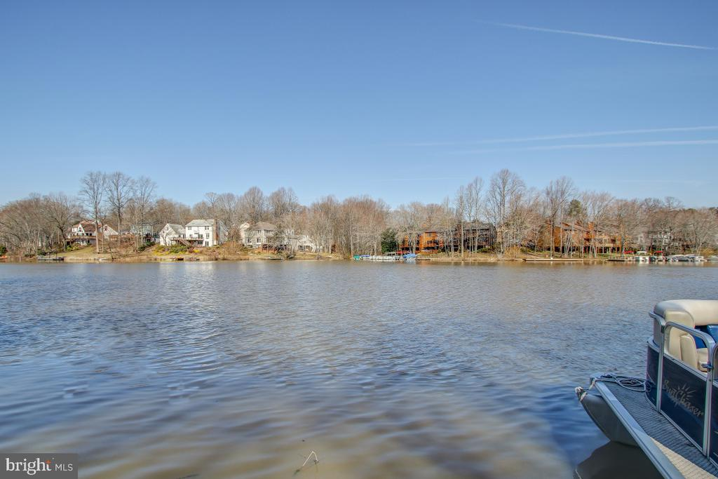 Unparalleled Lake frontage - 2258 COMPASS POINT LN, RESTON