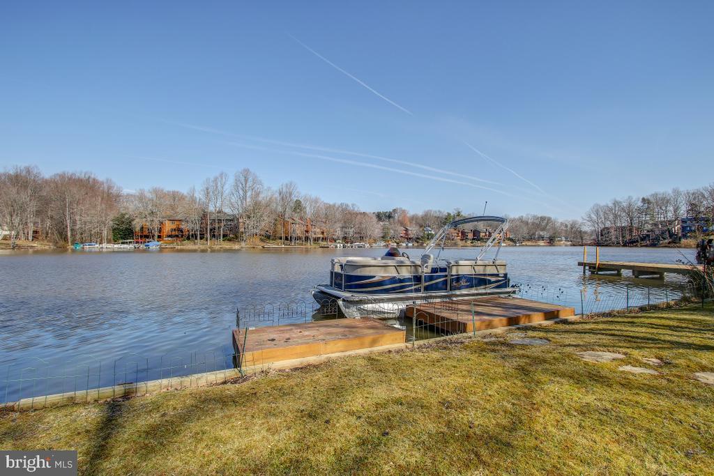 Your Dock and Boat-Summer's coming! - 2258 COMPASS POINT LN, RESTON