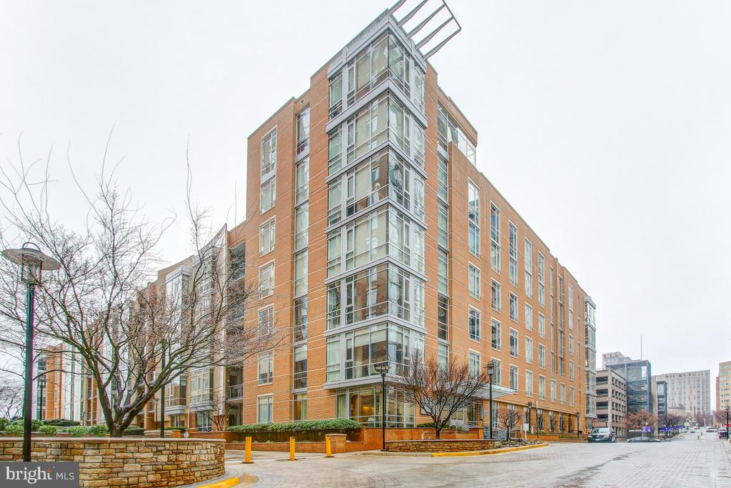 Welcome! Contemporary Loft Condos - 12025 NEW DOMINION PKWY #302, RESTON