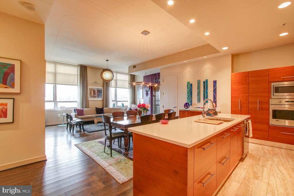 Stunning design! - 12025 NEW DOMINION PKWY #302, RESTON