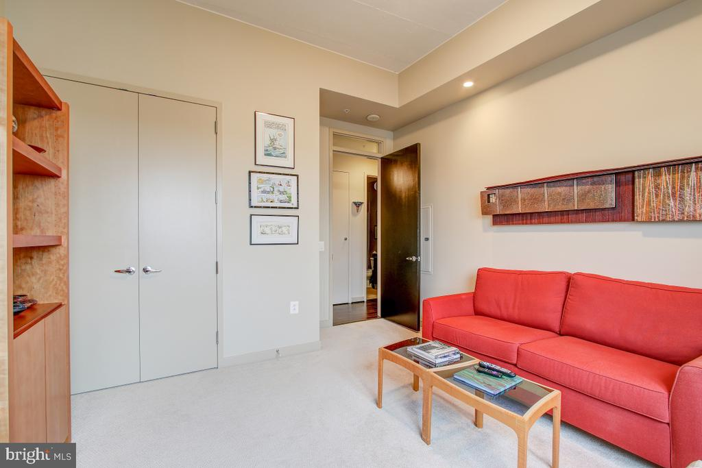 - 12025 NEW DOMINION PKWY #302, RESTON