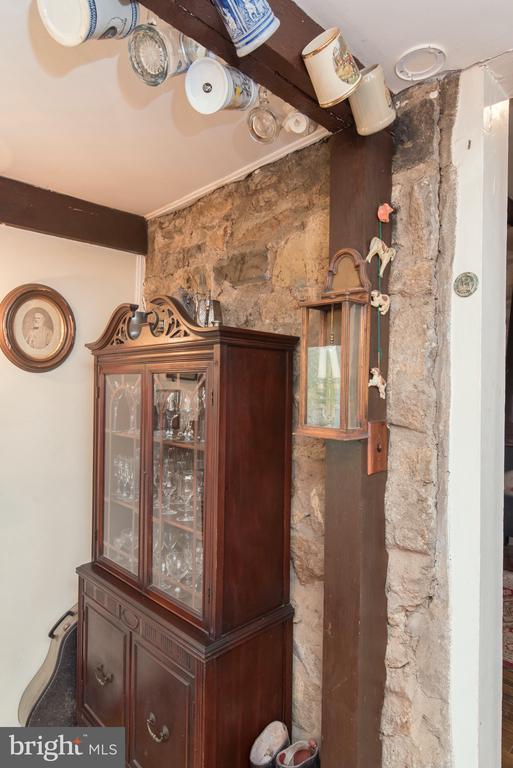 Corner of Dining Room - 36042 JOHN MOSBY HWY, MIDDLEBURG