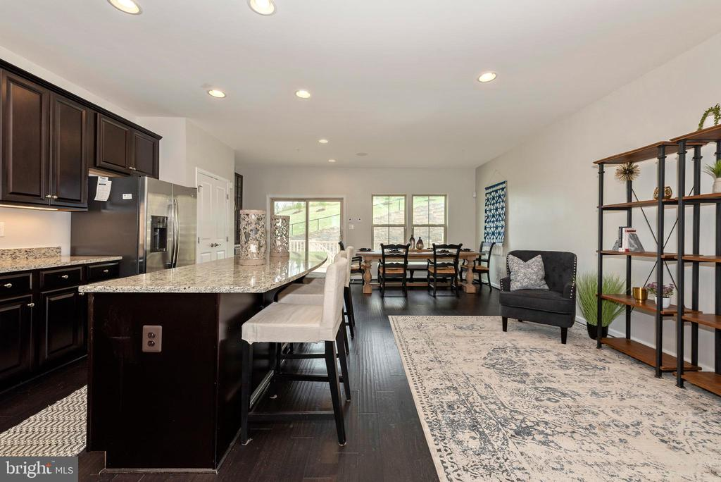 Room for entertaining - 9163 LANDON HOUSE LN, FREDERICK