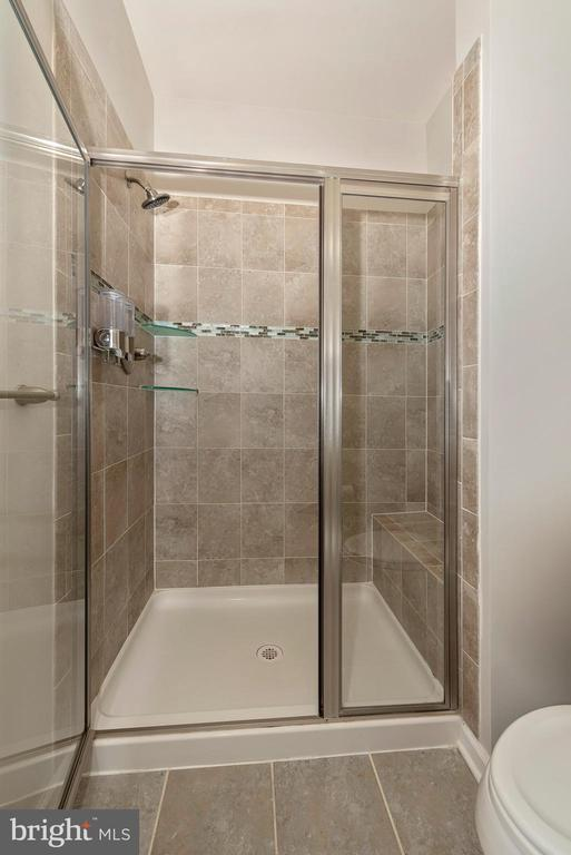 Separate shower - 9163 LANDON HOUSE LN, FREDERICK
