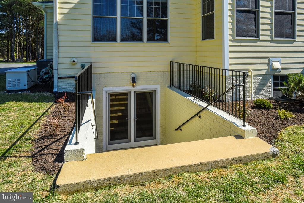Finished Lower Level Steps~Out & Up~to Back Yard - 15579 WOODGROVE RD, PURCELLVILLE