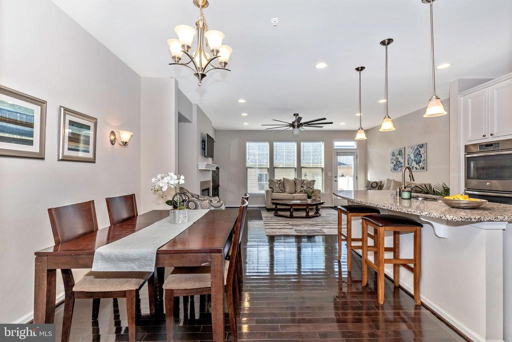 Open floor plan, kitchen, dining and living area - 2921 MILL ISLAND PKWY, FREDERICK