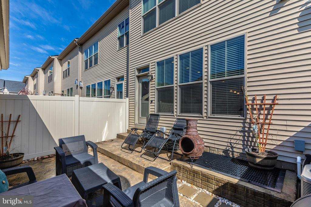 Great patio with fenced, private backyard - 2921 MILL ISLAND PKWY, FREDERICK