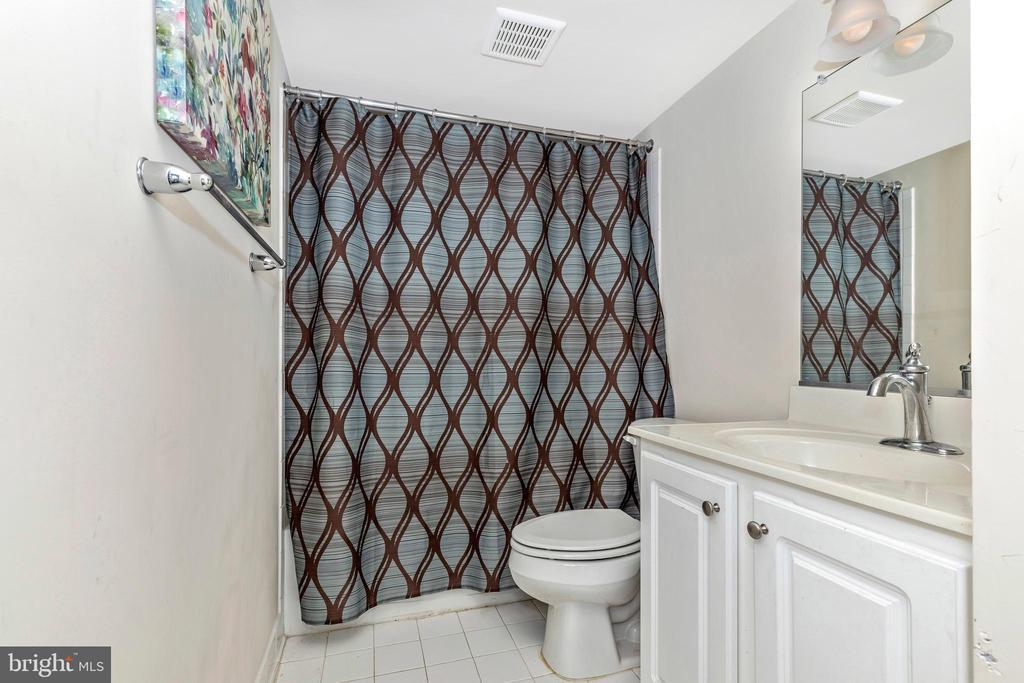 Basement full bathroom - 2921 MILL ISLAND PKWY, FREDERICK
