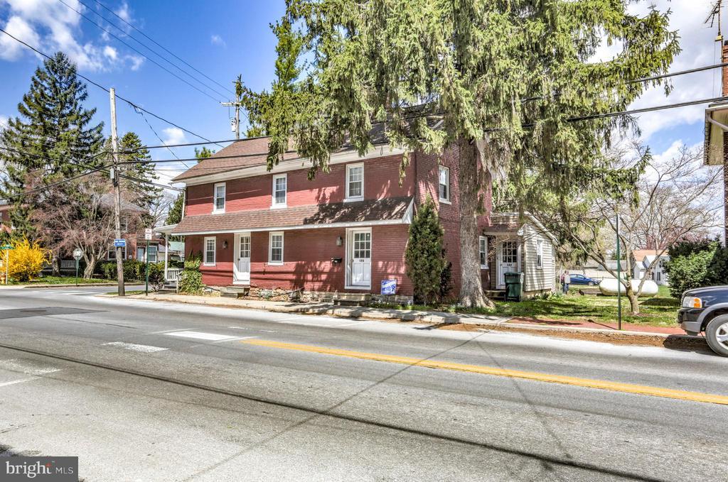 House for sale 143-145 W Main Street, Strasburg, PA 17579-1518