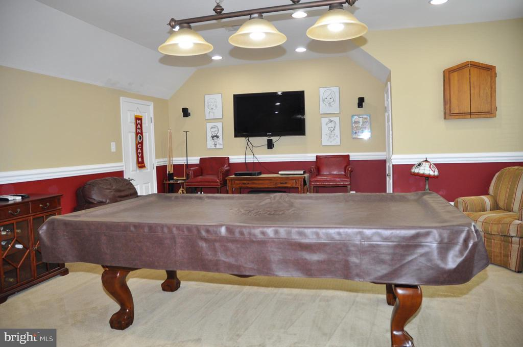 Bonus room over garage - 38834 LIME KILN RD, LEESBURG