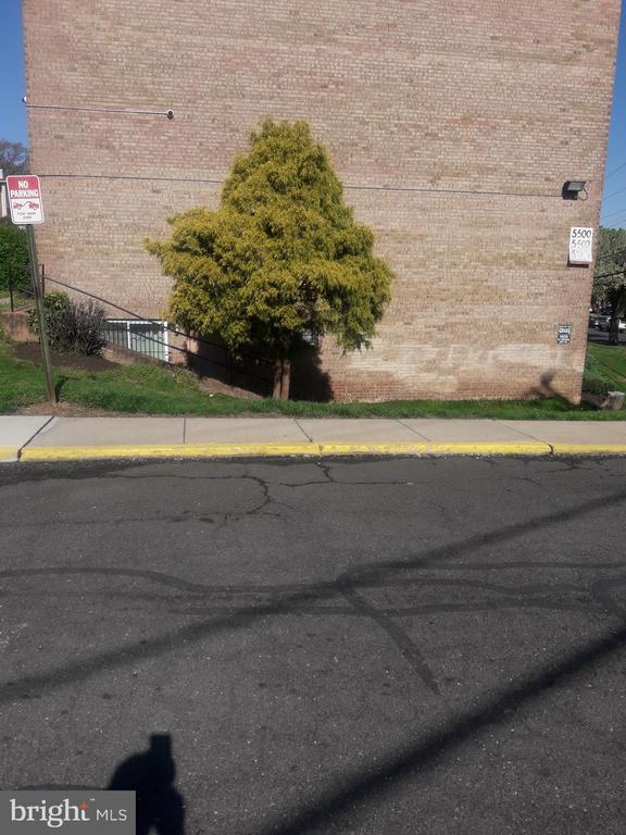 Exterior Side Entrance - 5500 KAREN ELAINE DR #904, NEW CARROLLTON