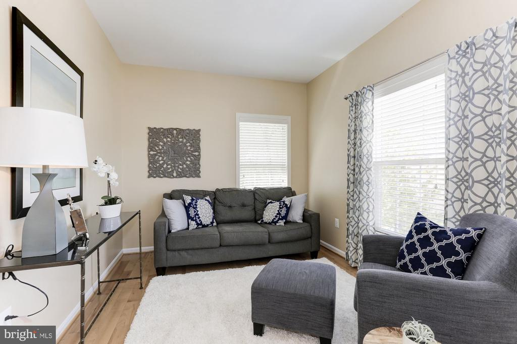 Master Siting Area - 5933 EMBRY SPRING LN, ALEXANDRIA