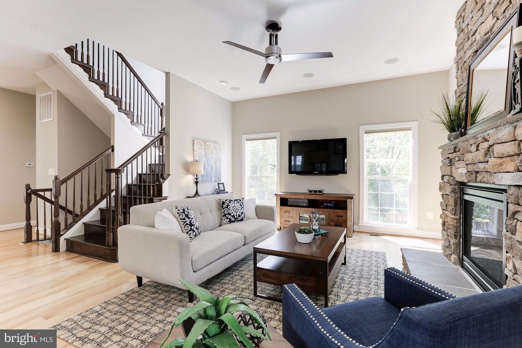 Living Room - 5933 EMBRY SPRING LN, ALEXANDRIA