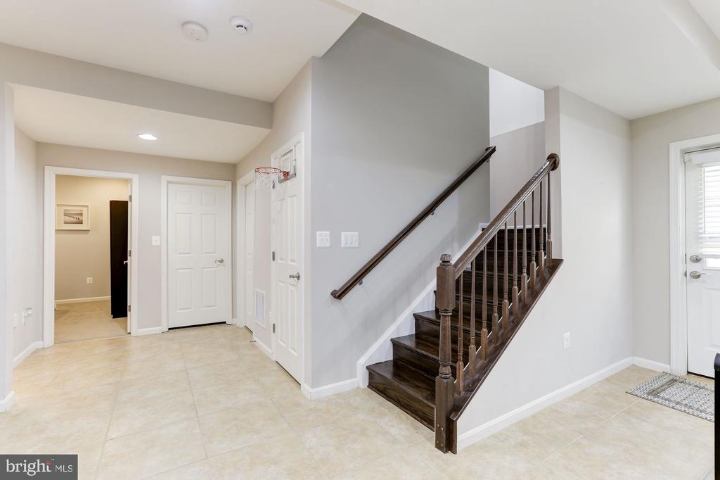 Basement Stairs - 5933 EMBRY SPRING LN, ALEXANDRIA