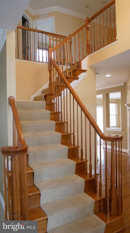 42863 Conquest Circle Staircase to Upper Level - 42863 CONQUEST CIR, ASHBURN