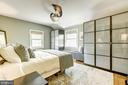 Master bedroom with built in wardrobe - 3125 1ST PL N, ARLINGTON