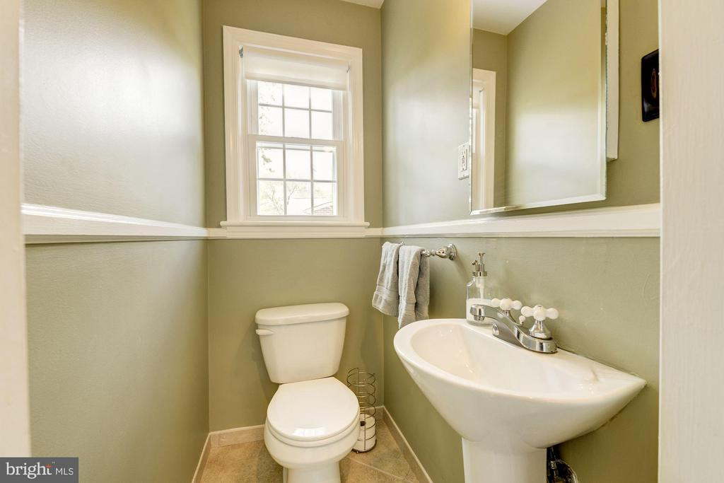 Main level half bath - 3125 1ST PL N, ARLINGTON