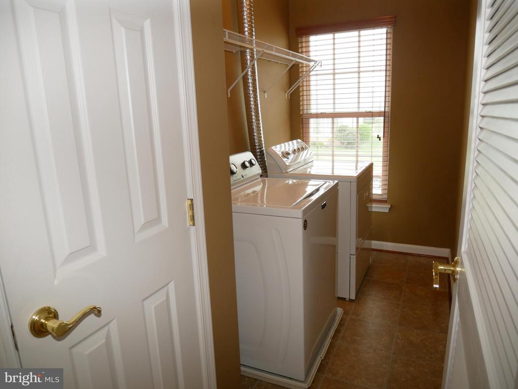 42863 Conquest Circle Laundry Room - 42863 CONQUEST CIR, ASHBURN
