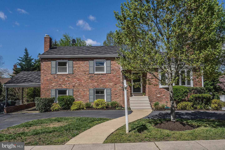 Single Family for Sale at 1616 N Howard St 1616 N Howard St Alexandria, Virginia 22304 United States