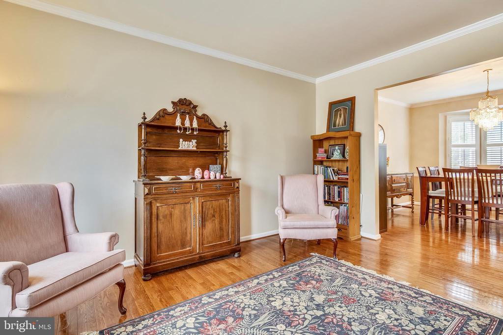 Living room/music room - 48 SAVANNAH CT, STAFFORD
