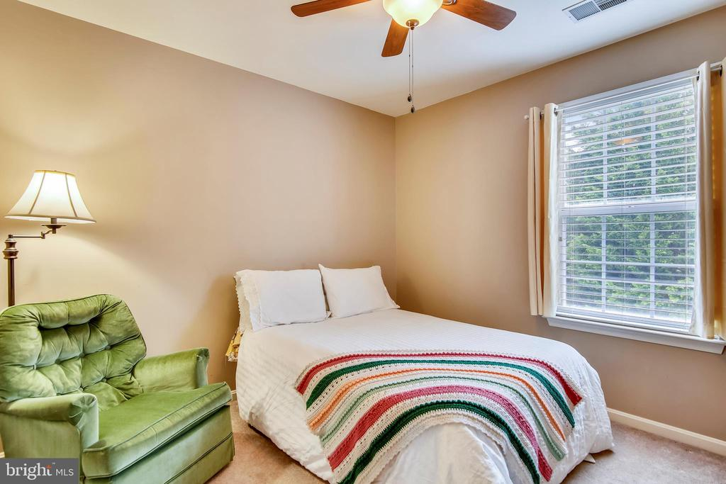 Third bedroom in this large home! - 48 SAVANNAH CT, STAFFORD