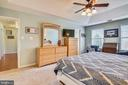 Master bedroom boasts three closets - 48 SAVANNAH CT, STAFFORD