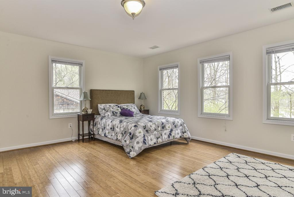 Bamboo flooring in master bedroom - 5620 INVERCHAPEL RD, SPRINGFIELD