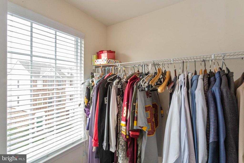 Master closet - 42914 PAMPLIN TER, CHANTILLY