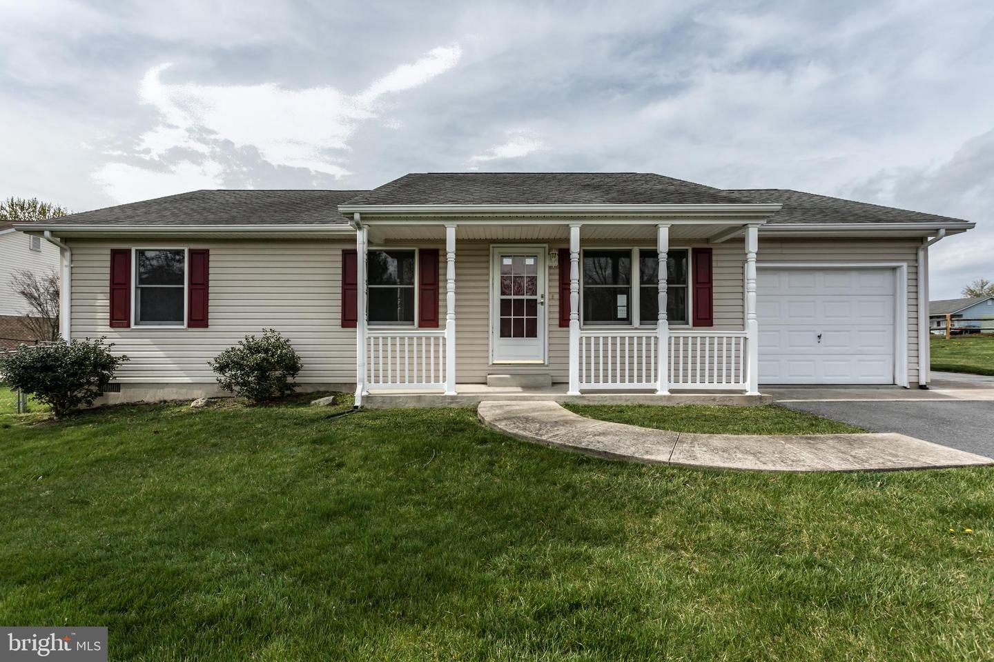 Single Family for Sale at 100 Blackwater Ct 100 Blackwater Ct Stephens City, Virginia 22655 United States