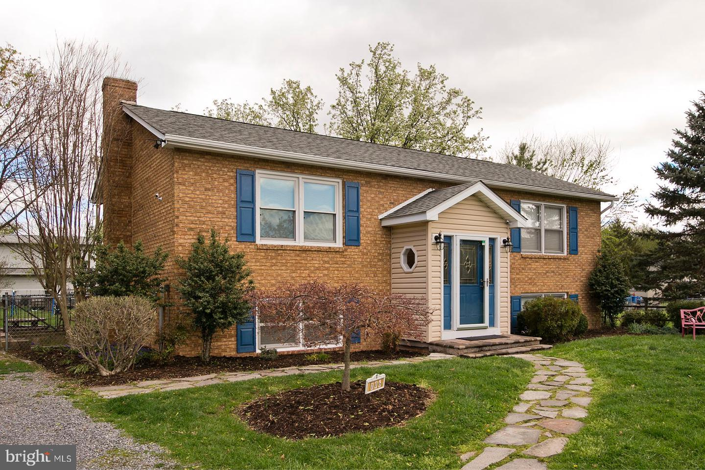 Single Family for Sale at 106 Essex Ct 106 Essex Ct Stephens City, Virginia 22655 United States
