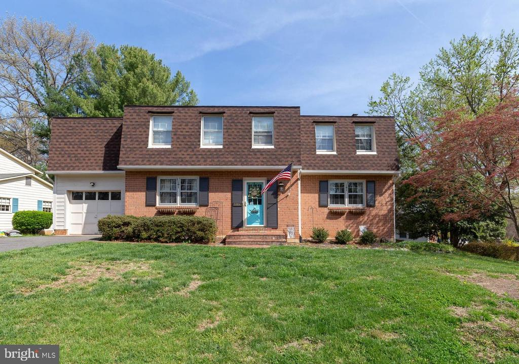 Welcome to 5304 Kaywood Ct in Kings Park West - 5304 KAYWOOD CT, FAIRFAX