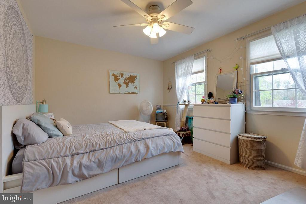Bedroom 2 - 5304 KAYWOOD CT, FAIRFAX