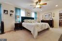 Master bedroom with access to bonus room - 5304 KAYWOOD CT, FAIRFAX