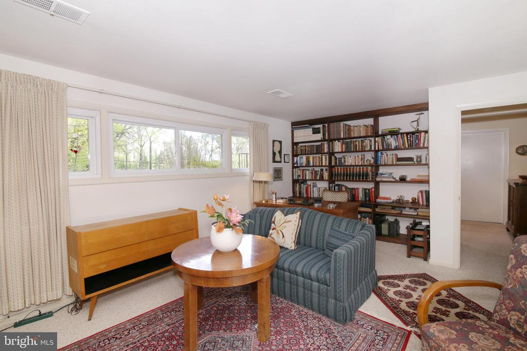 Family room - 3610 PRINCE WILLIAM DR, FAIRFAX