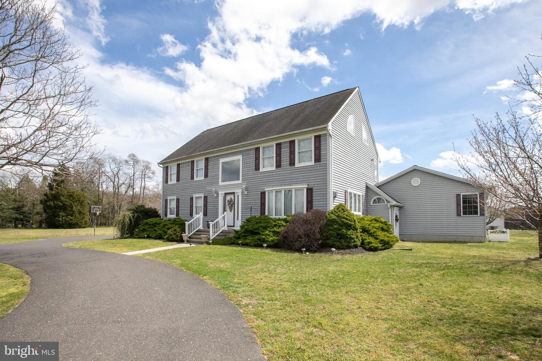 Maison unifamiliale pour l Vente à 1452 ELLIS MILL Road Monroeville, New Jersey 08343 États-Unis